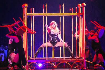 britney spears circus tour photos cage