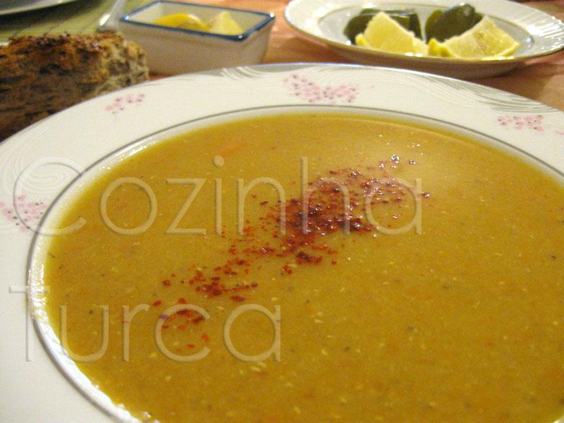 Sopa de Lentilhas Vermelhas (Kırmızı Mercimek Çorbası)