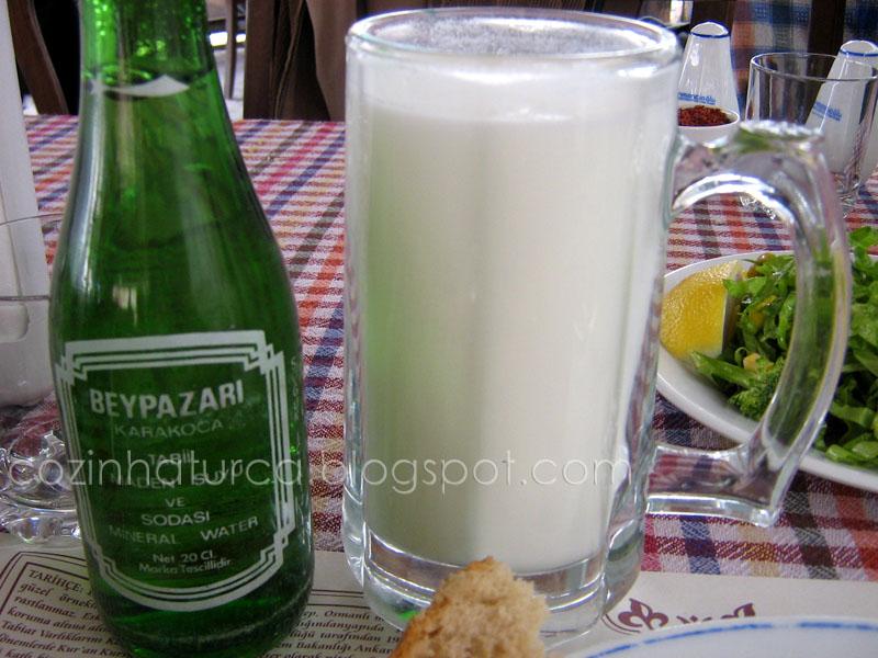 Yayık ayran e água de Beypazarı