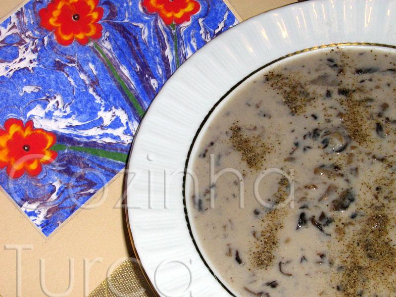 Sopa de Cogumelos (Mantar Çorbası)