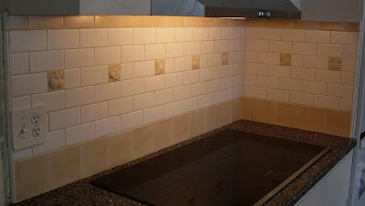 cottage tile backsplash in white and tan