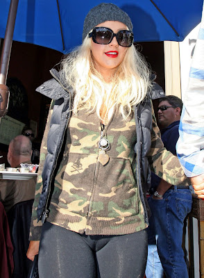 Christina Aguilera Cameltoe Candids In New York