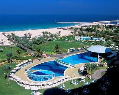 Famous buildings of the world dubai beach hotels for Best hotels in dubai for couples