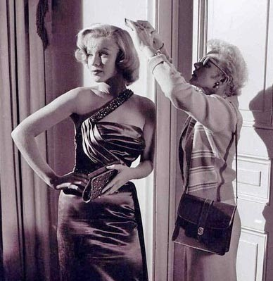 Gladys Rasmussen styling Marilyn Monroe's blonde hair