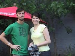 marcos ortiz (camarógrafo) y Constanza Daher (presentadora)