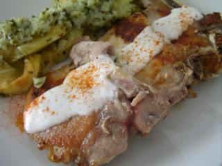 Chuletas con ali oli de pimentón y patatas al ajo cabañil SANY2053