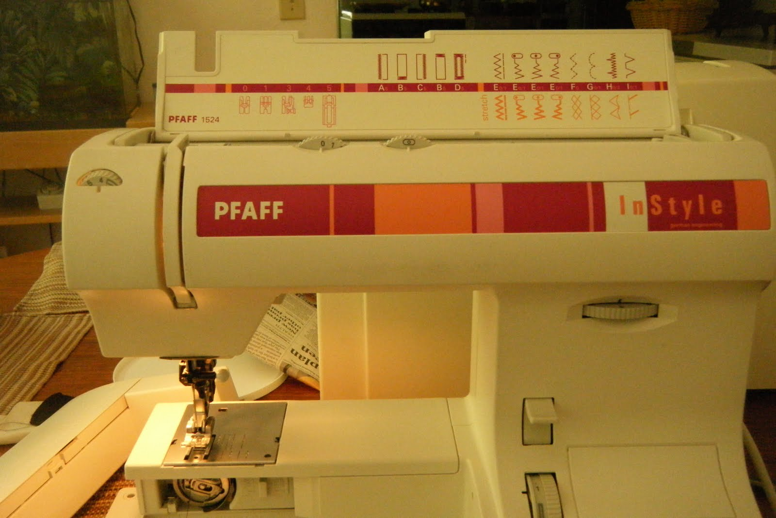 Working On Christmas My Pfaff In Style Model 1524