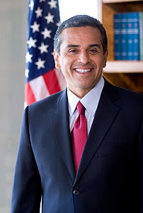 Antonio Villaraigosa's Affair - Horndog Mayor Has Hillary Clinton In A Bind - RadarOnline