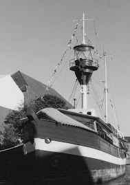 Le bateau feu XI (Fyrskib XI) dans le Nyhavn de Copenhague (Danemark)