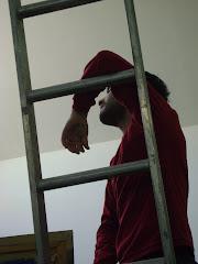 Julian en el emplazamiento del mural...