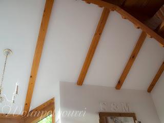 Wohnpotpourri: Holzdecke ist nun weiß