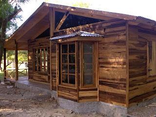 Carpinteria estilo campo casa de madera - Casas de madera de pino ...