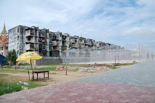 Le Building - Phnom Penh, Vann Molyvann