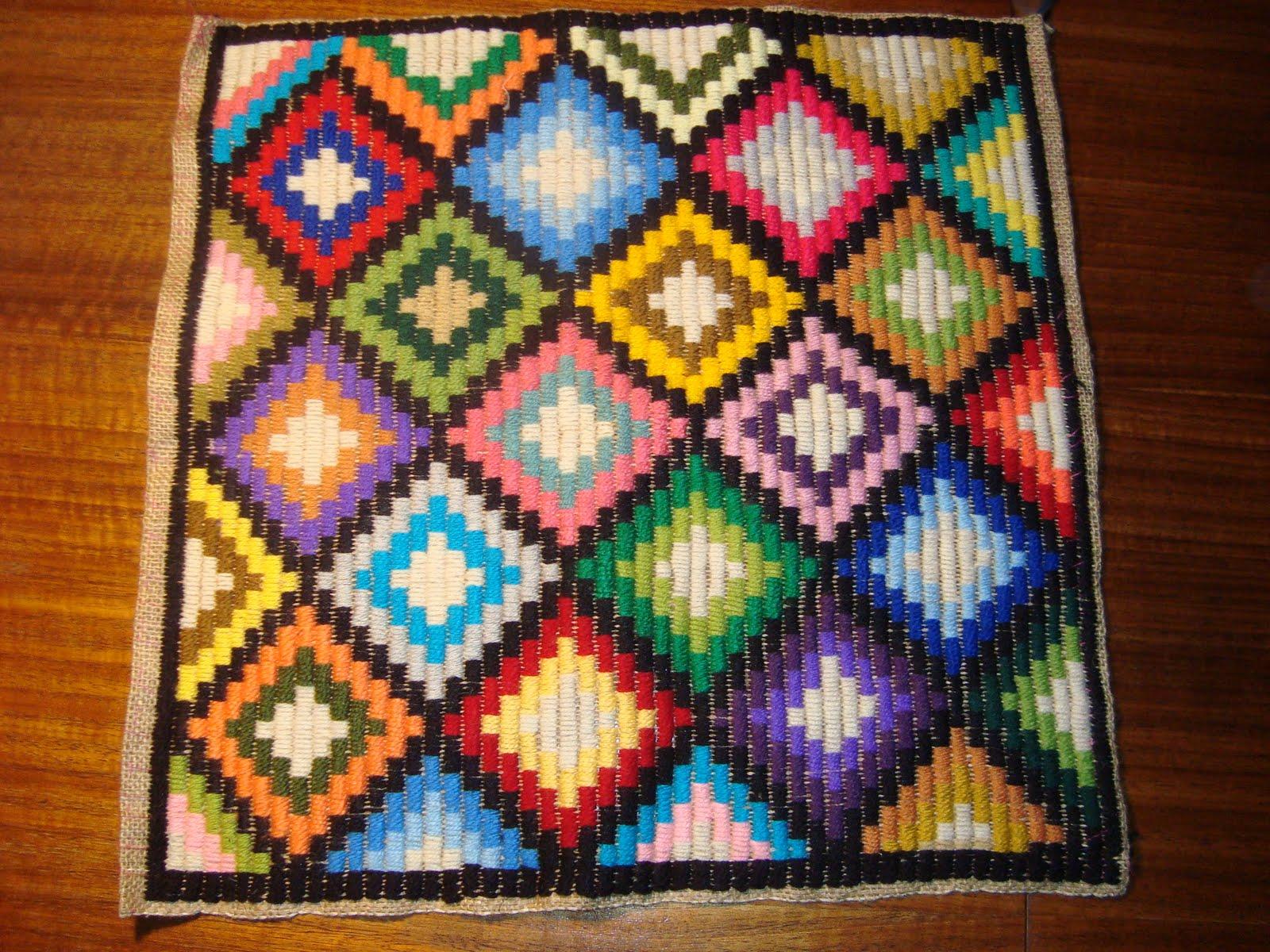 Manualidades del sur trabajo de bordado en arpillera for Como hacer alfombras en bordado chino