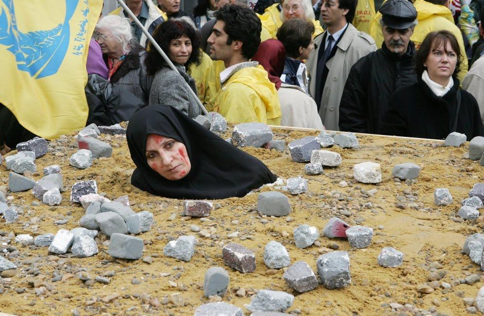 Irán saca las uñas Recreacion_lapidacion_Bruselas