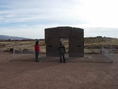 Desde bolivia for Porque se llama la puerta del sol