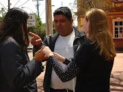 Gensiane e Bruna com José de intérprete