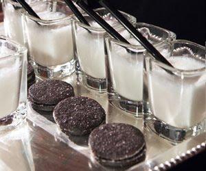 Plain ole' vanilla mini milkshakes with oreos or chocolate chip ...