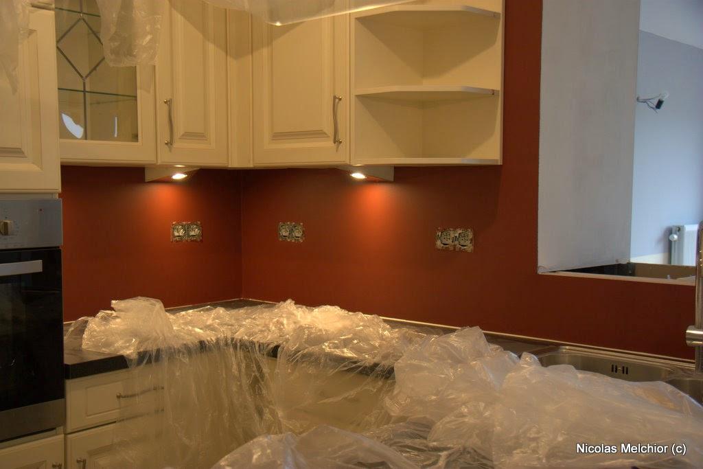 Ma maison cuisine salon en couleur - Retouche peinture mur ...