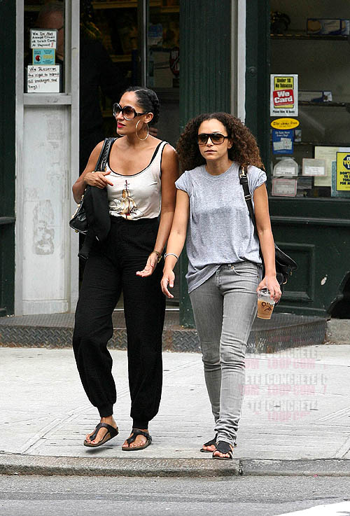 CANDID: The Ross Children Have Lunch; Tracee Ellis Ross ...