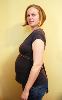 Belly shot: 27 weeks pregnant