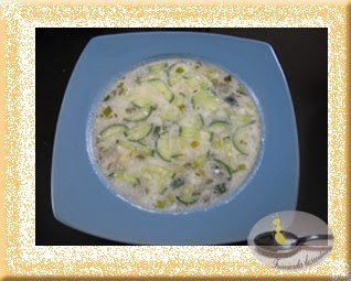 Supa de iaurt si castraveti