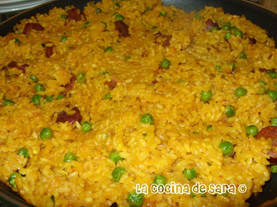 La cocina de sara paella de chorizo - Cocina con sara paella ...