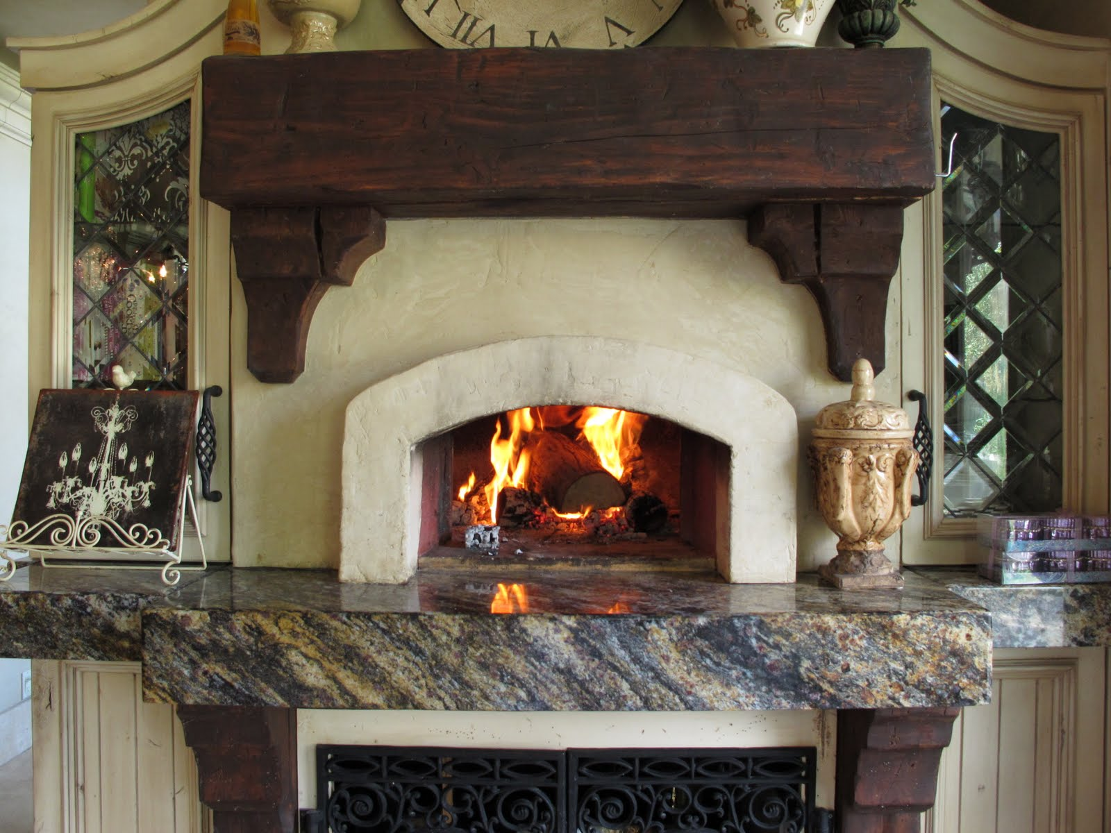 Kitchen WoodBurning Pizza Oven