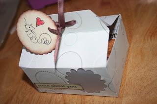 Gift box Tutorial For Christmas
