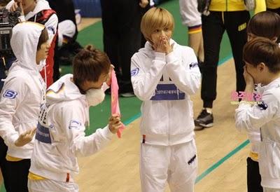 [News] Afeto de Key e Dongwoon, do B2ST, no Idol Star Atletics? Tumblr_lfiutsbSDv1qcl8qx