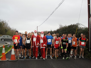 MEDIA IMAGE Santa Fun Run In Ennis