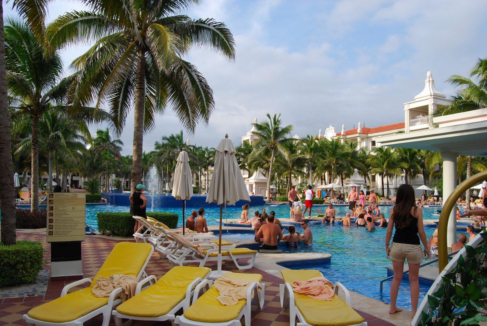 Actualit s mouscron comines mon voyage au mexique for Piscine des dauphins mouscron