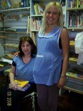 Liliana y Andrea en Biblioteca