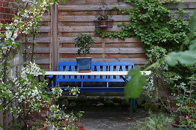 hinterhofgarten die gro stadtoase april 2008. Black Bedroom Furniture Sets. Home Design Ideas