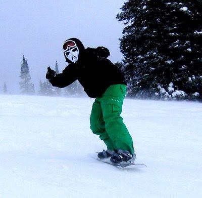 strom+trooper+face+mask+snowboarder.JPG