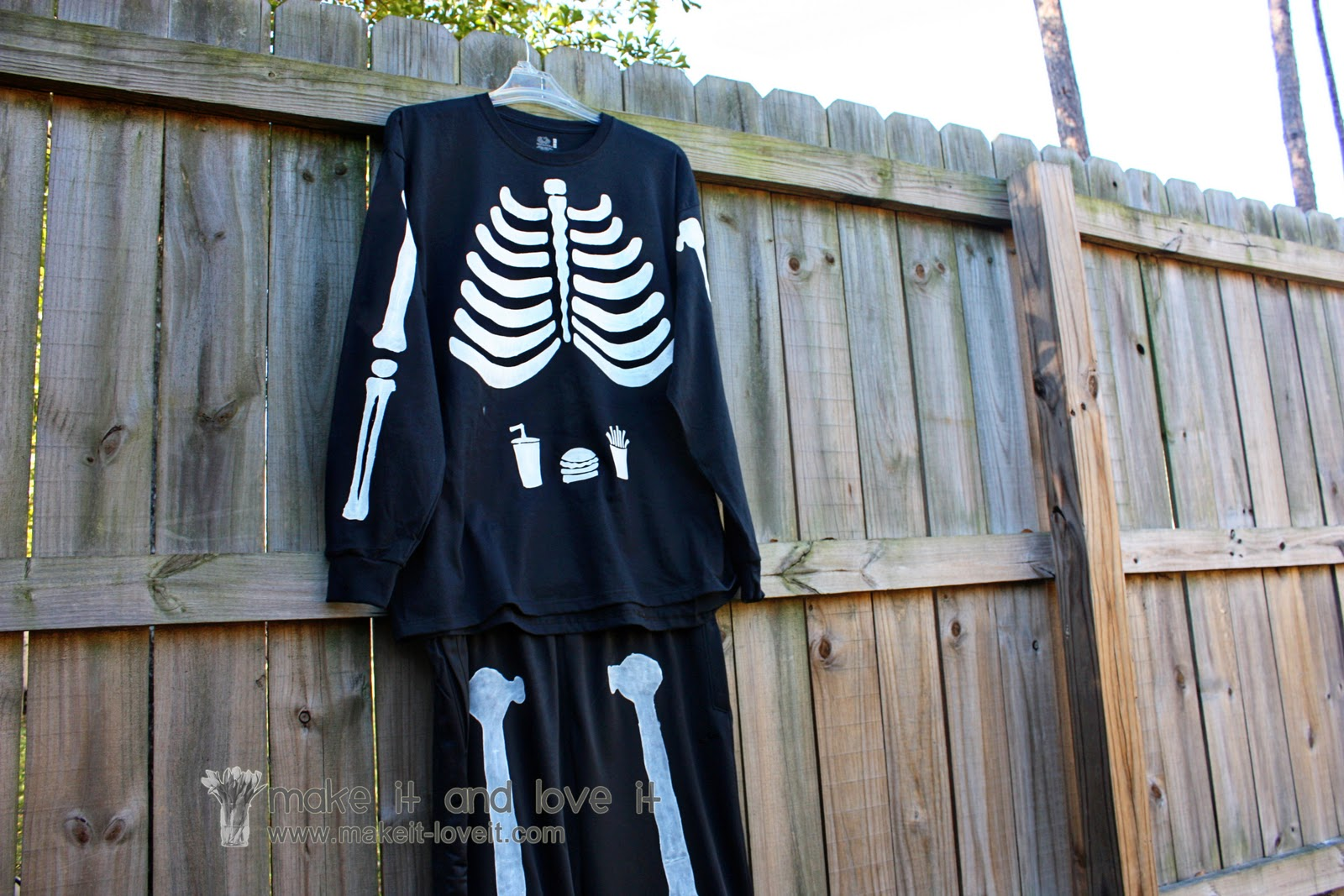 Our Last Minute Adult Costumes Pregnant Skeleton and Matching Husband | Make It and Love It & Our Last Minute Adult Costumes: Pregnant Skeleton and Matching ...
