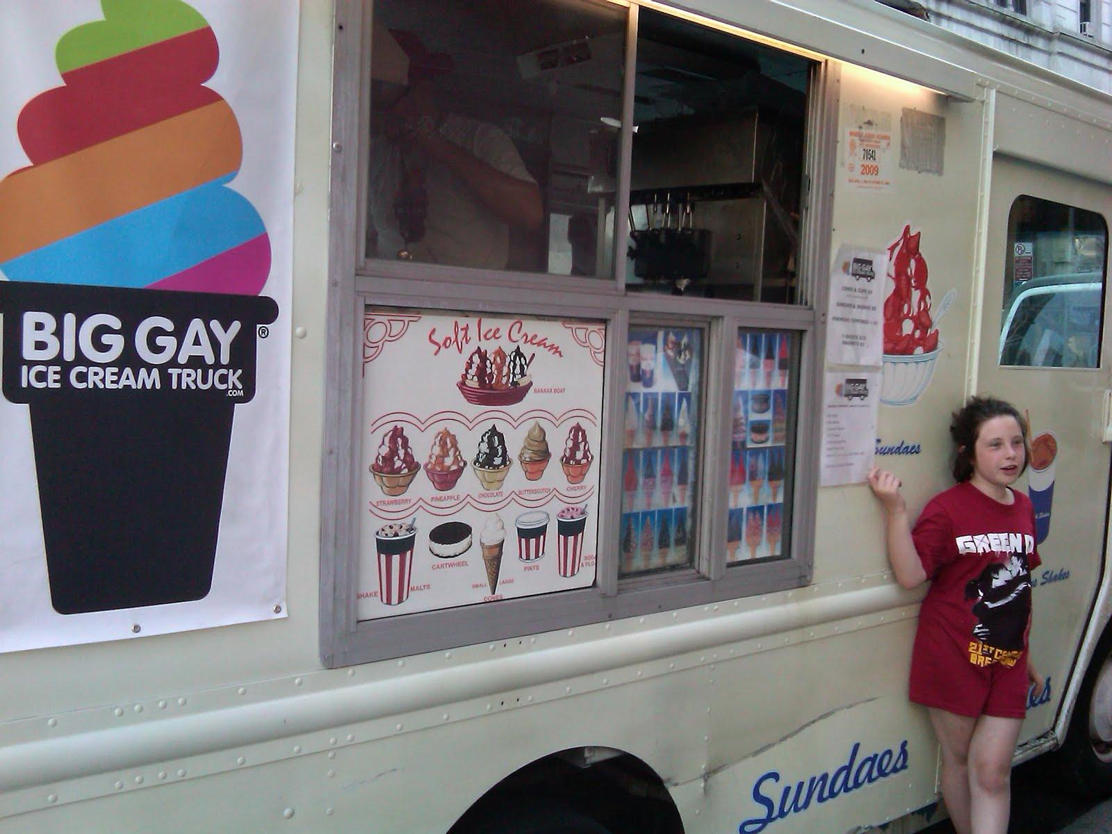 http://3.bp.blogspot.com/_Q5nt2ve8SWk/TJv0QtTHZFI/AAAAAAAAAoI/x6ADBuxNswI/s1600/Big+Gay+4.jpg