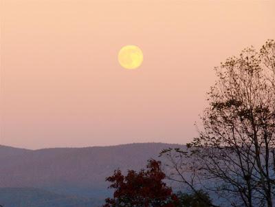 moon over our mountain 3 nov 2009