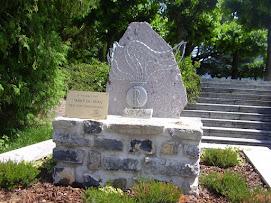 Civenna Como stele ai caduti di Nassirya