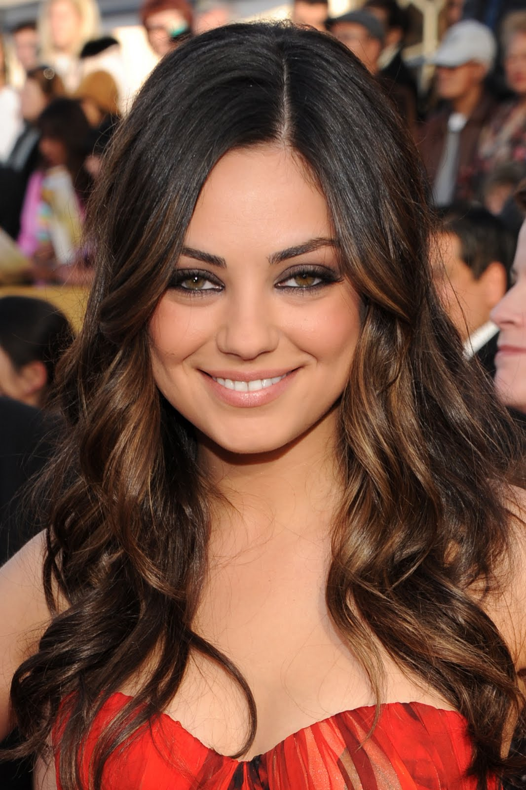 ... saw the gorge Mila Kunis step onto the red carpet at the 17th Annual SAG ...