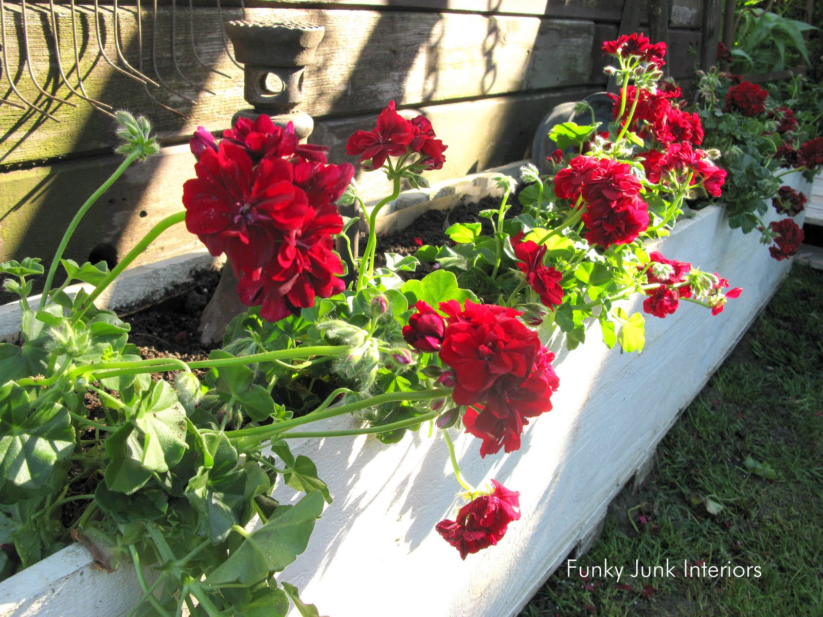 Decorating the great outdoors with junk for Gitter Done Funky