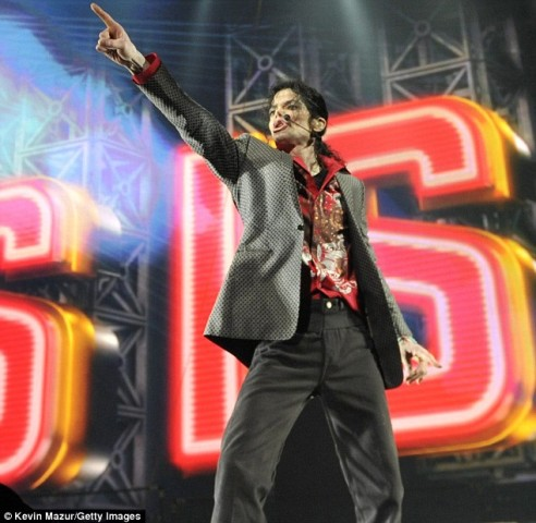 http://3.bp.blogspot.com/_QBcXPxIhF1I/S7bVs077VFI/AAAAAAAAAC0/kgyTYlRMrCQ/s1600/michael-jackson-this-is-it-rehearsal.jpg
