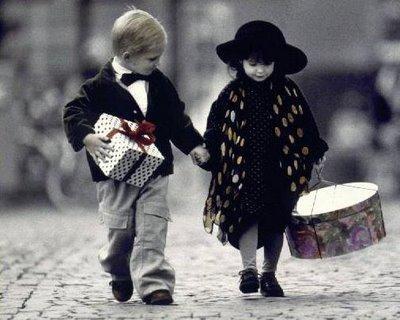 http://3.bp.blogspot.com/_QBvW0A3cMTo/S7xzhlhut_I/AAAAAAAAAOM/MTlaMWOWmU0/s1600/momentios+felizes.jpg