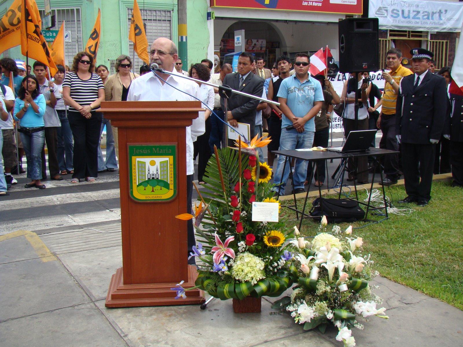 EL EMBAJADOR DE CUBA SR. LUIS DELFIN PEREZ OSORIO EN USO DE LA PALABRA