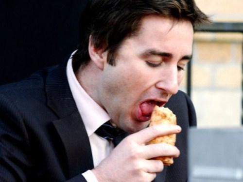 Luke Wilson eating