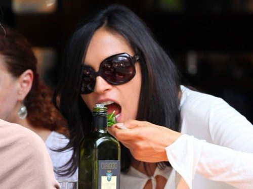 Famke Janssen eating
