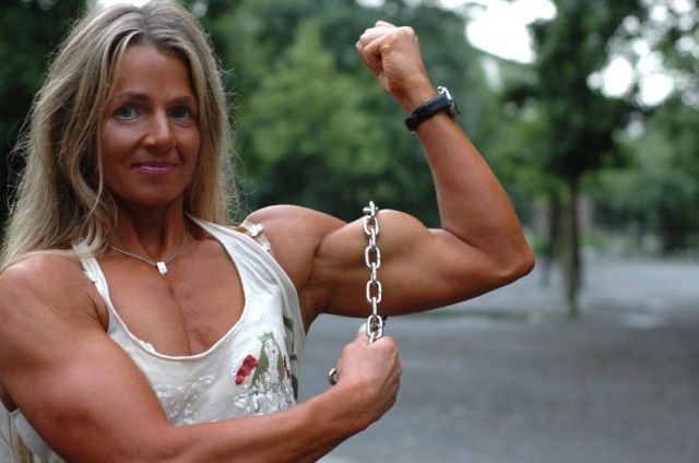 Girls With Muscle Images & Pictures - Becuo