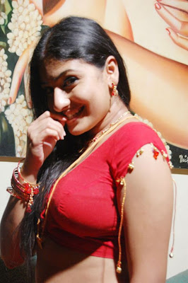 Best Style Fashion: Monica very hot and seducing in saree ...
