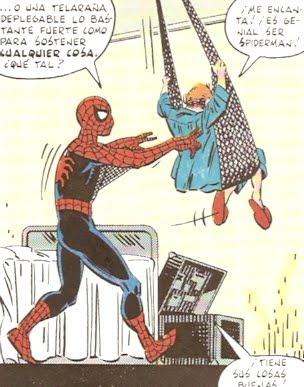 Spiderman columpiando a un enfermo