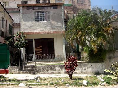 Consultorio del Médico de la Familia en el Barrio de Santos Suárez en Ciudad de la Habana.